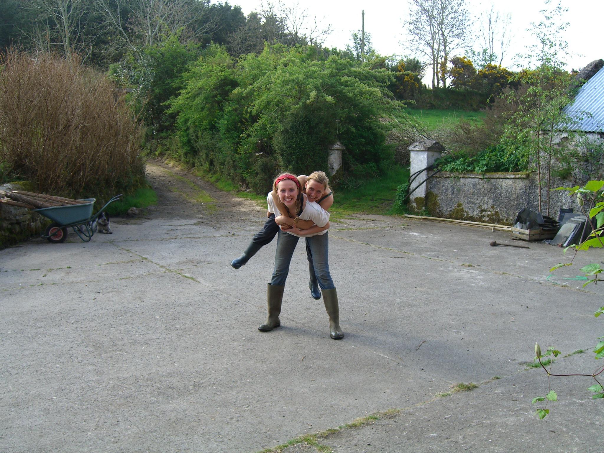 Kiah and Juliane (wwoofers)